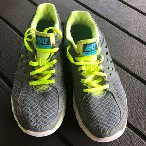 Nike Flex 2012 RN Shoe Size 8